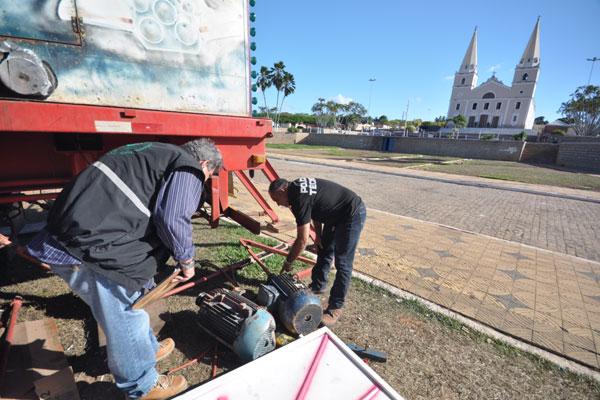 Dois peritos do Itep examinaram os motores que foram arremessados e um deles atingiu Felipe
