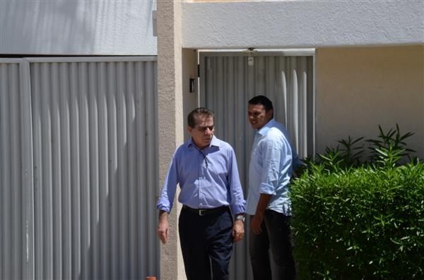 Pela manhã, a governadora recebeu a visita do deputado estadual Raimundo Fernandes (PROS)