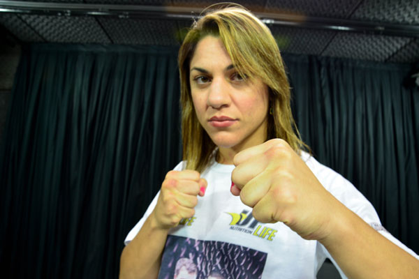 O boxe é uma das principais armas usadas por Bethe Correia na luta contra as suas adversárias