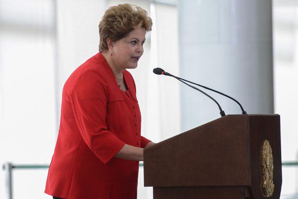 Presidenta Dilma: novo salário depende do fechamento do PIB