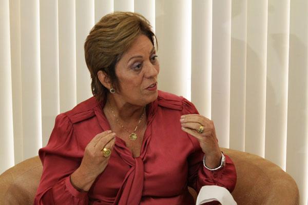 Governadora diz que só fala de eleições no momento de eleições
