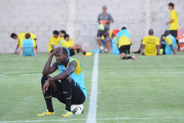 O volante Somália foi um dos poucos a renovar com o ABC para a atual temporada. Ele tem a responsabilidade de ser o termômetro do time dentro de campo