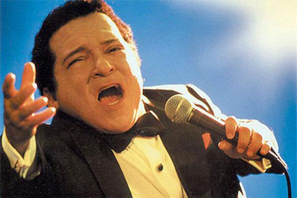 Nelson Ned era famoso por ter uma voz potente com apenas 1,12 m de altura