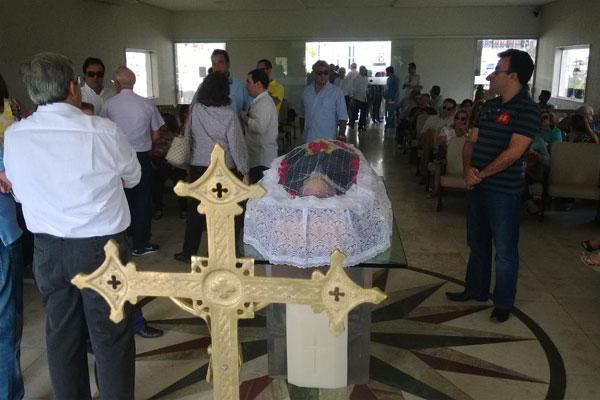 Corpo de João Faustino será enterrado às 17h