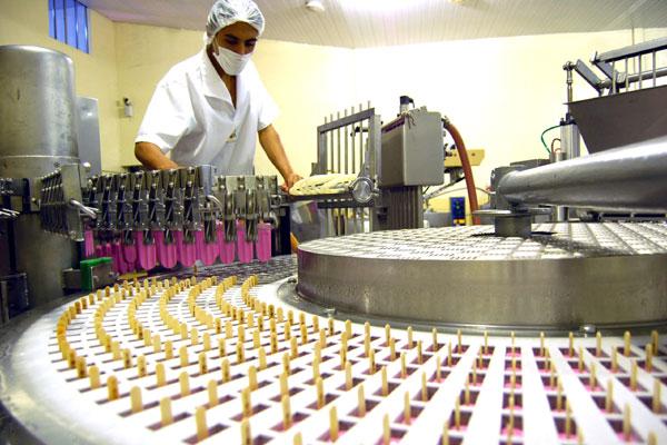 Grupo Sterbom está investindo R$ 8 milhões em suas unidades de sorvetes, polpa de frutas e água mineral para atender demanda
