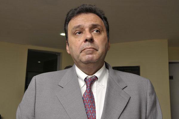 Carlos: medidas de austeridade e equilíbrio das finanças