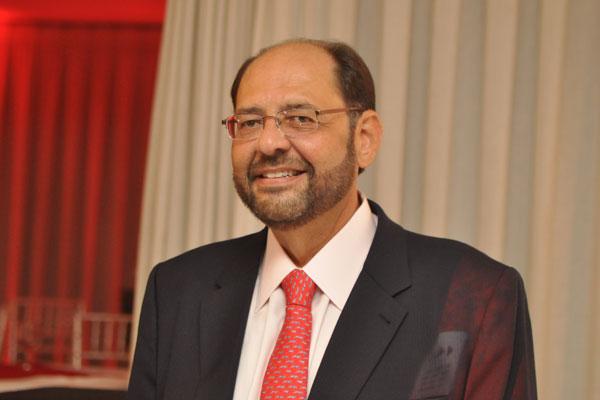 Gustavo Carvalho, Deputado Estadual, assume pela segunda vez, a presidência do América. Vai se licenciar do cargo em julho, para poder participar do processo eleitoral