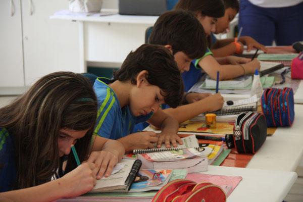 Ensino bilíngue e tempo integral são diferenciais da Marie Jost