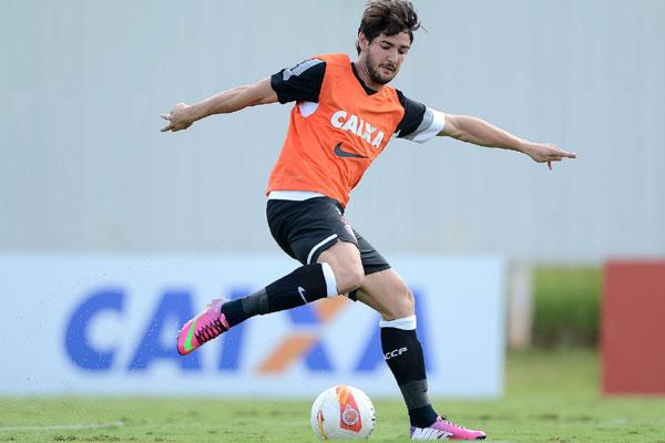 Alexandre Pato não vem conseguindo agradar ao técnico do Corinthians e também aos torcedores