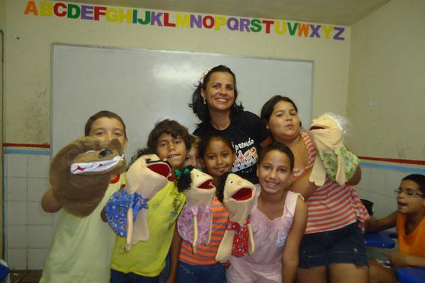 Crianças se divertem e aprendem com atividades lúdicas