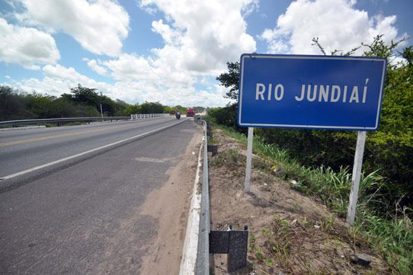 Projeto prevê duplicação de 27 km da rodovia, a partir de Macaíba. O trecho sobre o rio Jundiaí é o mais precário, atualmente