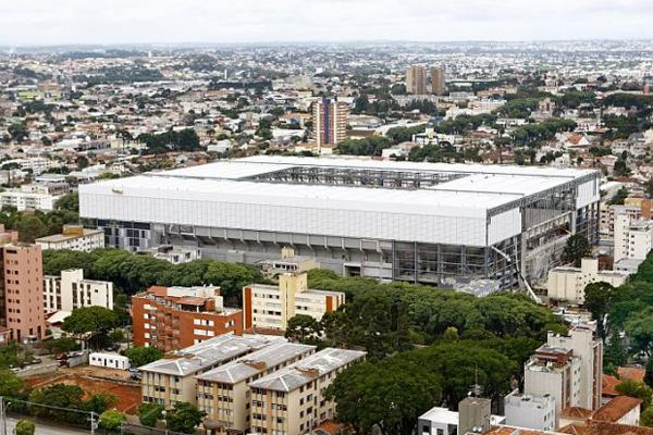 Estádio está 90% concluído e é o mais atrasado do país