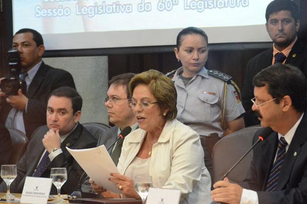 Governadora Rosalba Ciarlini lê a mensagem anual à Assembleia Legislativa e destaca projetos em execução