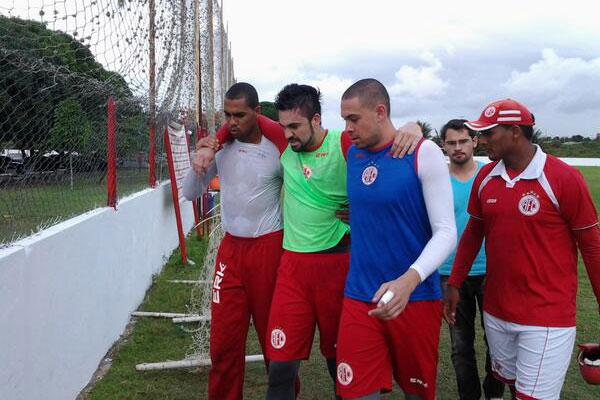 Um dos principais jogadores do América, Andrey desfalcou a equipe diante do Globo