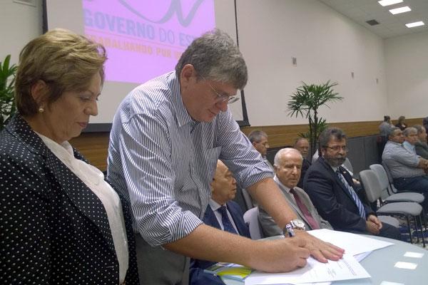 Prefeito de Macaíba assina contrato de concessão da ZPE