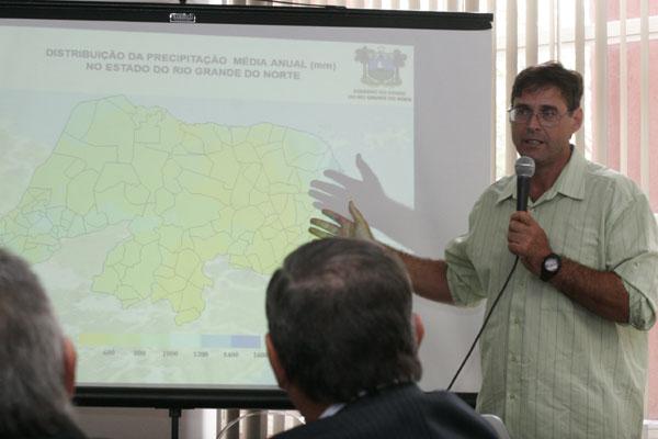 Gilmar Bristot apresenta análises meteorológicas para o Estado