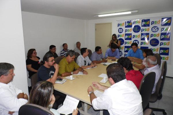 Dirigentes e parlamentares do PT e PSD se reúnem e definem agenda no interior