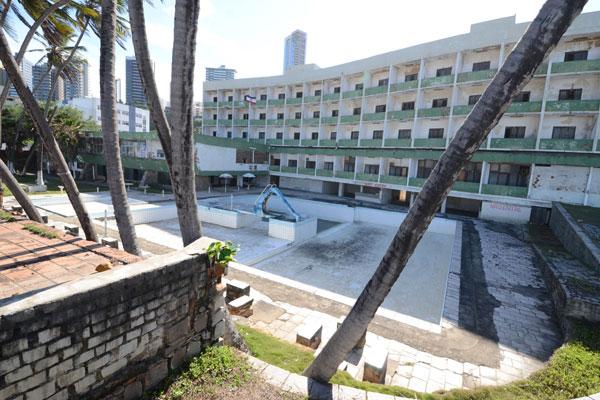 Hotel Reis Magos foi desativado desde 1995. Grupo tem projeto para construir um centro comercial e hotel cinco estrelas no local