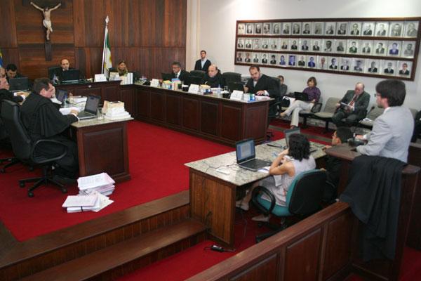 Juízes eleitorais vão definir o calendário para as eleições