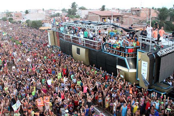 Tradicional mela-mela de Macau deve reunir multidão nas ruas