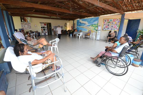Espaço Solidário acolhe 24 idosos e recebe da Semtas R$ 12 mil/mês. Despesas chegam a R$ 51 mil/mês