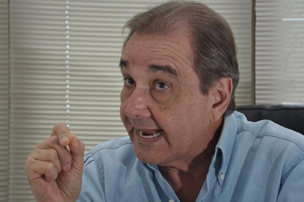 Senador José Agripino afirma que, para concorrer à reeleição, a governadora Rosalba Ciarlini teria que convencer a executiva estadual