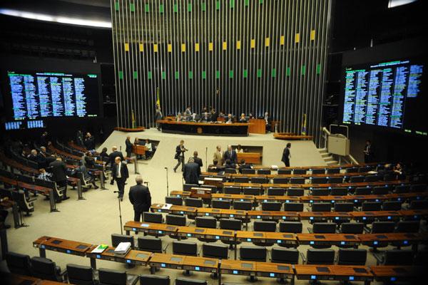 Oito cadeiras da Câmara dos Deputados estão em disputa no pleito de outubro no RN