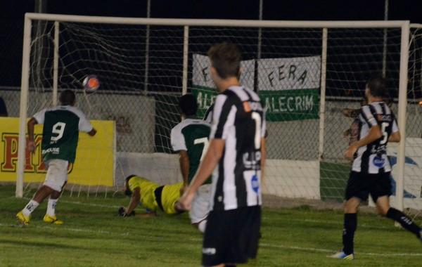 Gol marcado por Pedro Ivo fechou o placar da partida em 2 a 0 para o Alecrim