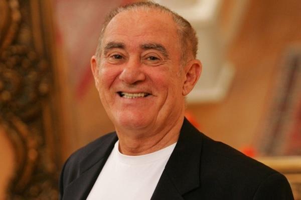 Renato Aragão volta a ser internado no Rio