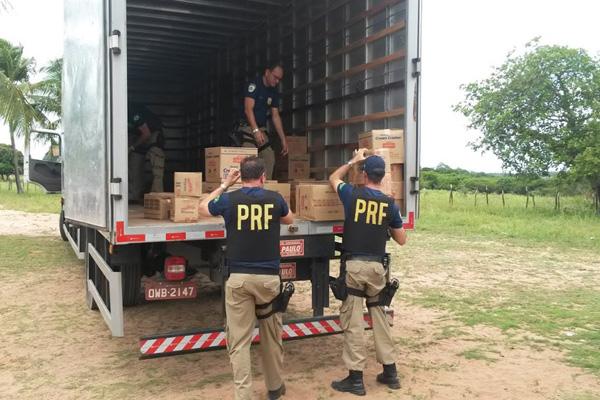Quatro pessoas foram presas e uma carga roubada foi recuperada
