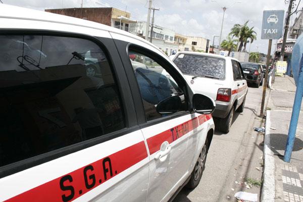 Município de São Gonçalo possui 753 vagas de táxi. Frota é sete vezes superior ao recomendado