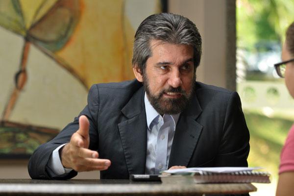 Presidente nacional da legenda, Valdir Raupp, deverá participar hoje da reunião do PMDB