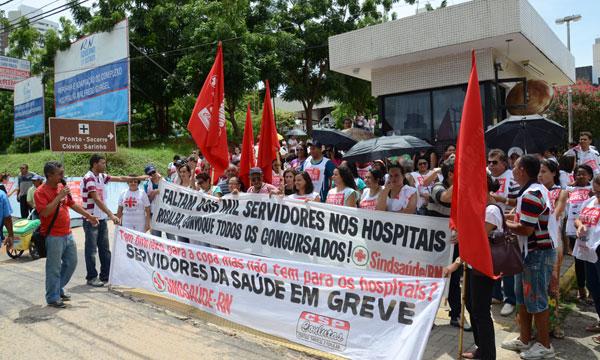 Servidores fizeram manifestação em frente ao HWG durante a semana. Hoje, tem novo ato às 10h