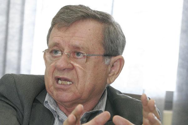 Demétrio Torres evitou antecipar valores da licitação para locação de geradores e contêineres