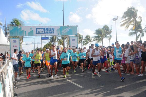 Cerca de 1.500 corredores participaram da última etapa da Track&Field Run Series, em João Pessoa