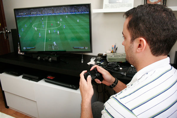No preço de aparelhos como Videogame, 72% é carga tributária
