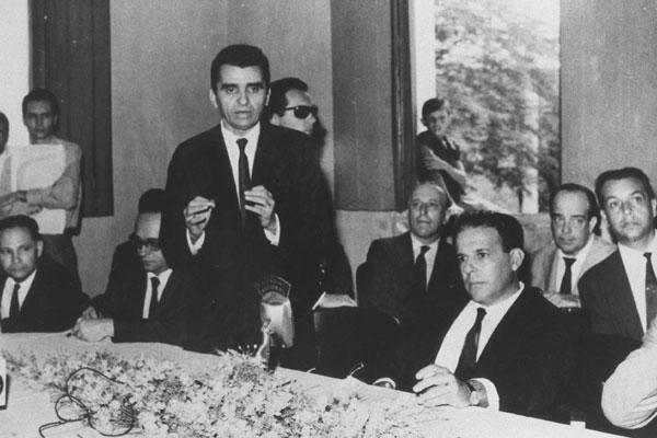 Ao lado de Jango, Aluízio inaugurou a energia de Paulo Afonso
