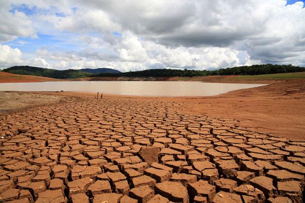 Seca em São Paulo e no Nordeste pode continuar em 2015