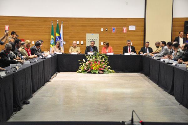 Ministro da Justiça, José Eduardo Cardozo esteve em Natal reunido com a governadora Rosalba Ciarlini e a cúpula de Segurança Pública