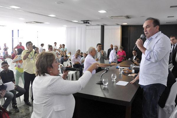 Governadora Rosalba Ciarlini e deputado Nélter Queiroz batem boca sobre liberação de verbas
