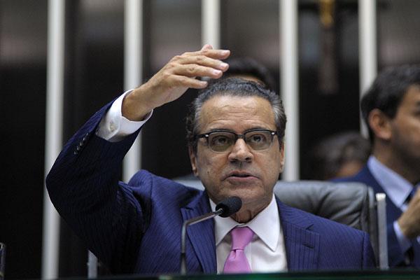 Henrique Eduardo Alves afirma que América e ABC superaram dificuldades para se credenciar
