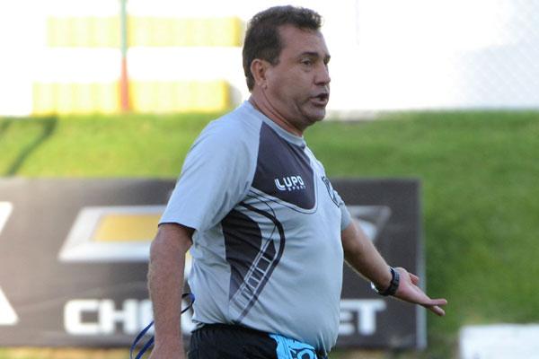 Zé Teodoro receberá homenagem da direção do Santa Cruz pelas conquistas quando era treinador do clube