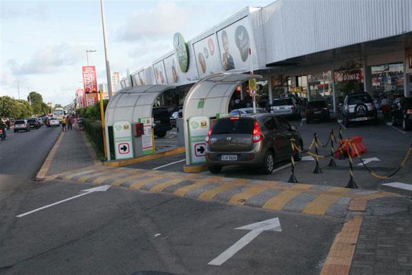 Criminosos explodiram terminal do Bradesco no shopping Cidade Jardim, em Natal
