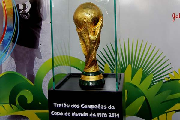 Taça da Copa percorrerá os 26 estados brasileiros e o Distrito Federal