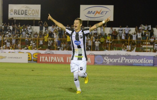Patrick foi o autor do gol da vitória diante do Boa em Santa Cruz
