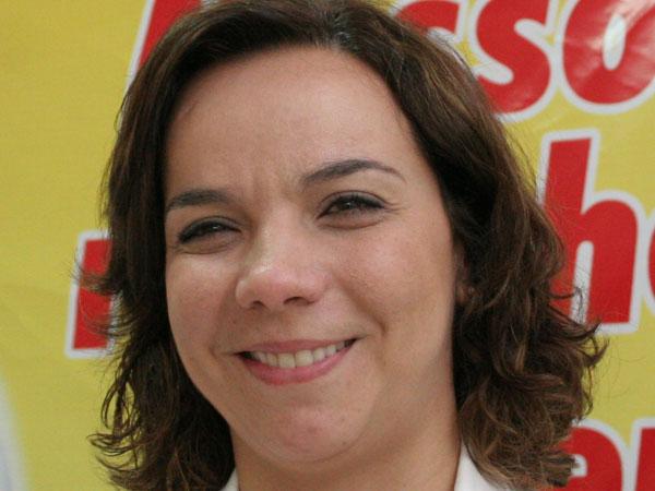 Cláudia Regina insiste com a candidatura