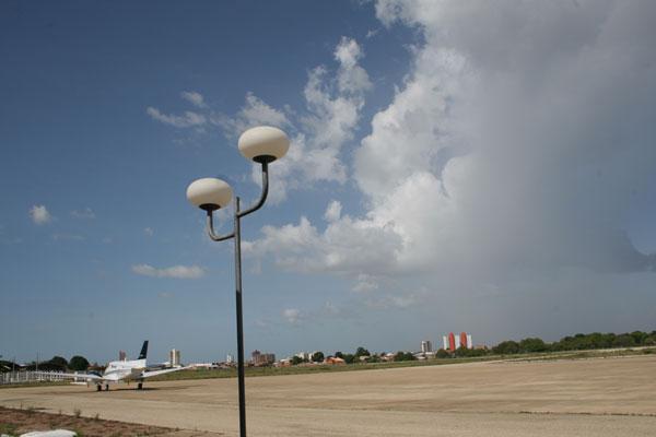 Aeroporto Dix-Sept Rosado funciona de forma precária