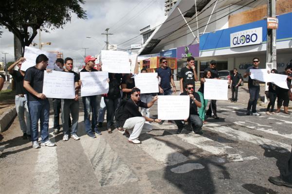 Comerciantes estudam entrar na justiça contra a prefeitura