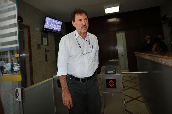 Delúbio Soares é o terceiro condenado a ter autorização de trabalho revogado pelo ministro do STF