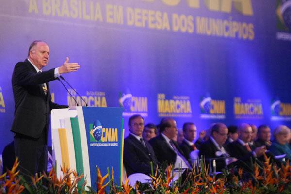 Paulo Ziulkoski afirma que a pauta inclui aumento do FPM, mas há outras reivindicações